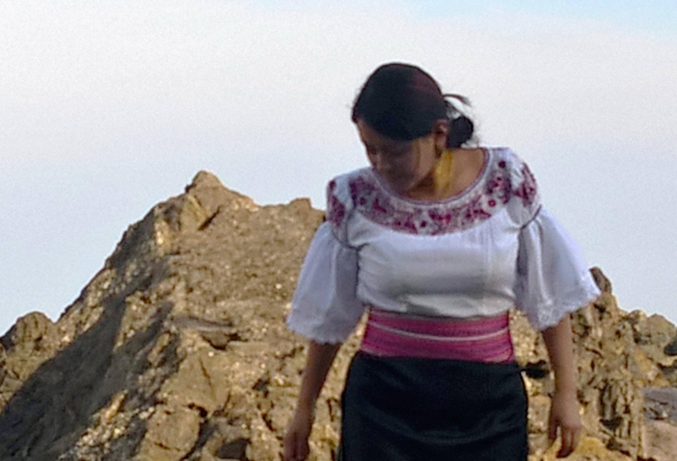 Peta Yana Lucila Lema Otavalo